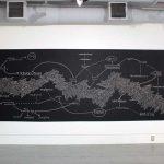 Dibujo con tiza sobre pintura negra | 400 x 167 cm. | Alternator Center for Contemporary Art, Kelowna | 2018
