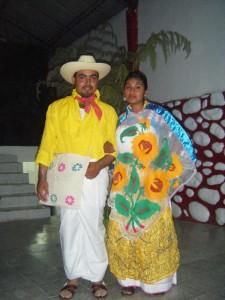 Desfile de trajes típicos regionales