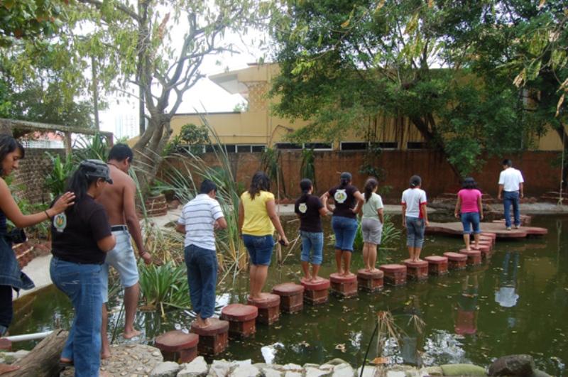 """Recorrido por el """"Área del agua"""", que reproduce condiciones de ecosistemas acuáticos"""