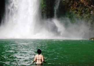 Cascada en Jem Takxi
