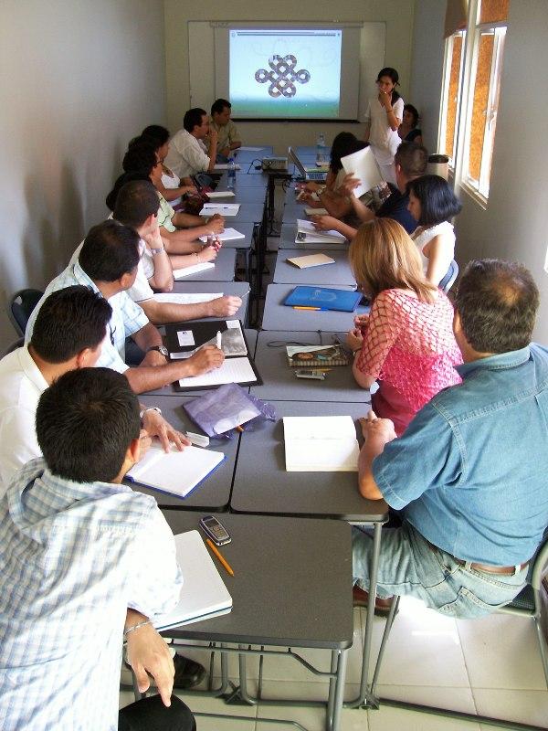 Marzo 2008. Sesión informativa con Sergio Téllez y Adriana Ávila, Director de la UVI y Coordinadora de la Maestría (en ese entonces), respectivamente