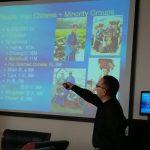 profesor-liu-xinguang-impartiendo-clase-de-cultura