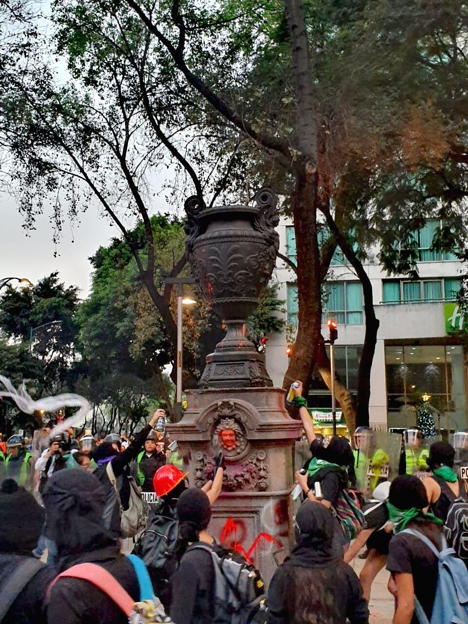 Fotografías del Movilización feminista #25N en CDMX: Fotoreportaje de Colectivaoleaje.com