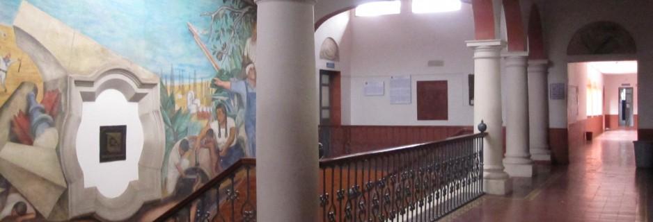 Pasillo Interior de la Facultad de Economía