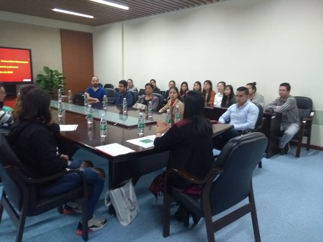 Presentación de cursos y programas EEE en China 2018a