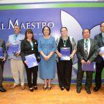 Daniel Ramírez, Sebastián Figueroa, Celia Garrido, Estela Cuervo, Pablo Pacheco y Alfredo Zavaleta, decanos 2018, con la rectora Sara Ladrón de Guevara.