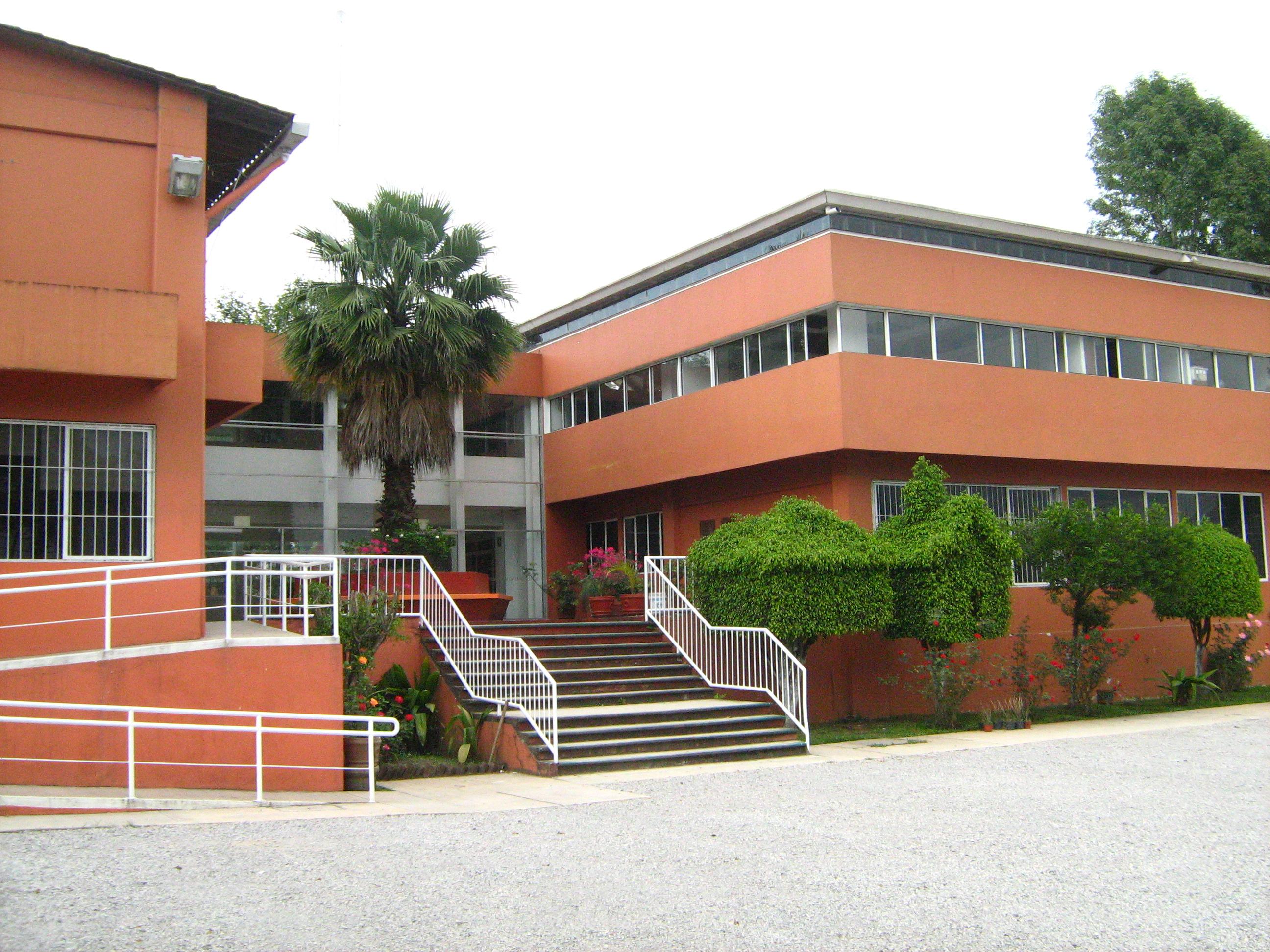 Semblanza ipe instituto de psicolog a y educaci n for Universidades en xalapa