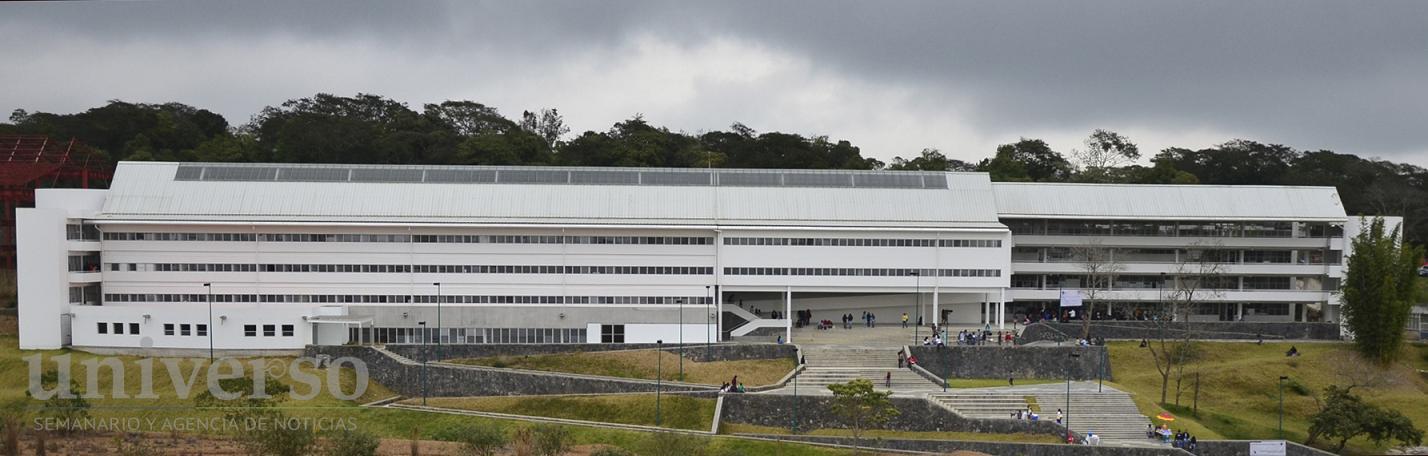 Campus sur es de primer nivel estudiantes y acad micos dgcu for Universidades en xalapa