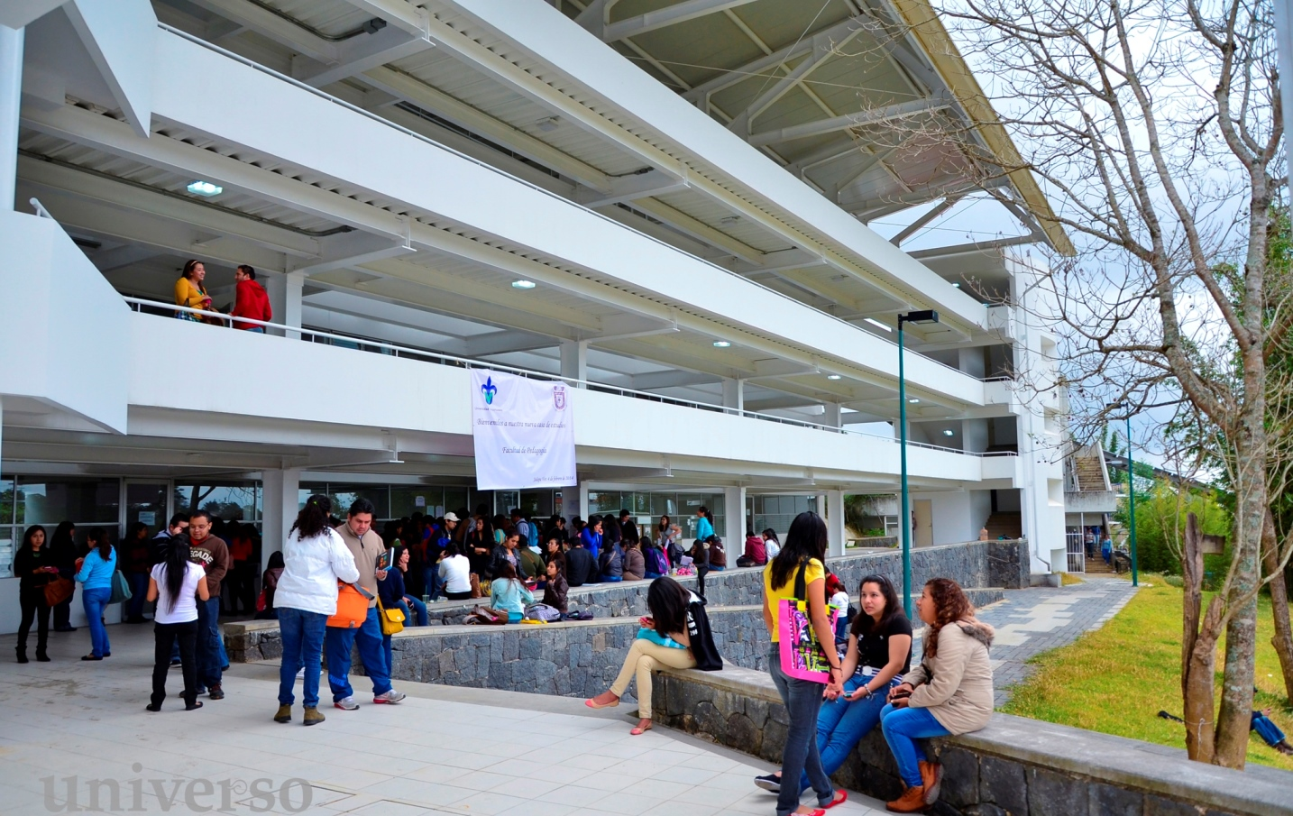 Pedagog a uv contin a sus labores acad micas for Universidades en xalapa