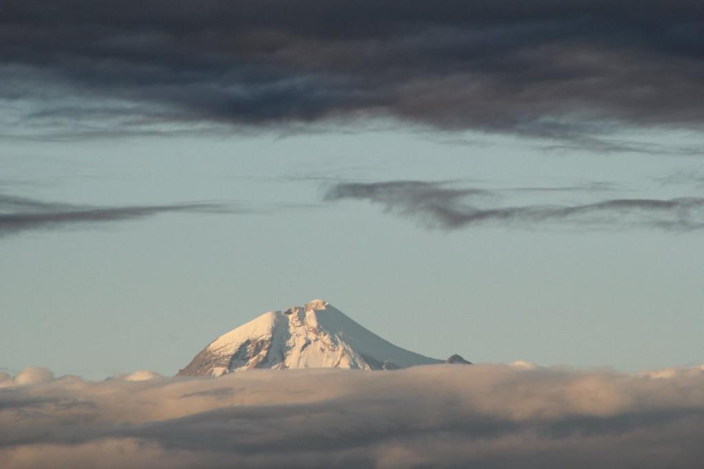 Volcán Pico de Orizaba visto desde Miradores del Mar, Ver.,  Foto por: Marco A. Morales Mtz 2014.