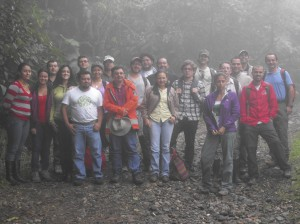 Grupo completo bosque nuboso