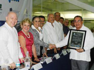 Juan Manuel Fragoso Montalvo, académico de la UV, fue uno de los reconocidos.