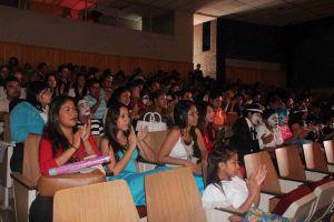 Asistente a la clausura del ciclo escolar 2014-2015 del programa UV-Peraj.