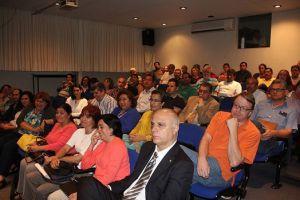 Autoridades universitarias y comunidad de investigadores en plenaria sobre evaluación del MEIF.