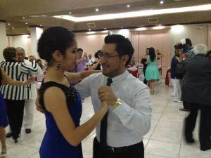 En un concurso de danzón.