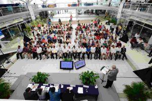 Los líderes universitarios locales estuvieron acompañados por personalidades del gobierno y de sectores estratégicos de la región.