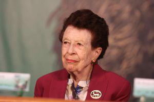 Yolanda Lastra, recibió el Premio Nacional de Ciencias y Artes 2015 en el campo de la lingüística.