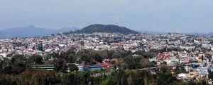 """El cerro Macuiltépetl, """"pulmón"""" principal de la ciudad."""
