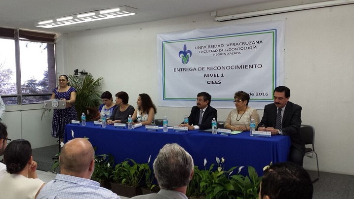 Sara Ladrón de Guevara celebró la acreditación de la Facultad de Odontología, región Xalapa