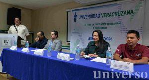 Jorge Alberto Vélez Enríquez anunció la acreditación de dos de sus programas educativos