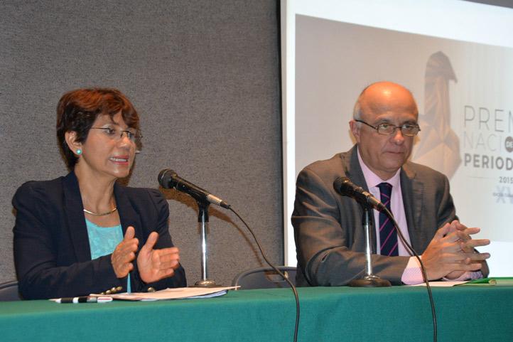 La presidenta del jurado del PNP y Raciel Martínez, anunciaron que la convocatoria se puede consultar en www.periodismo.org.mx