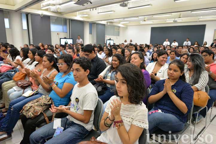 Estudiantes de las cinco regiones universitarias participaron en el evento