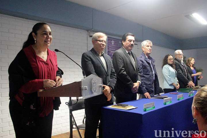La rectora Sara Ladrón de Guevara destacó la dimensión humanista y literaria de la UV
