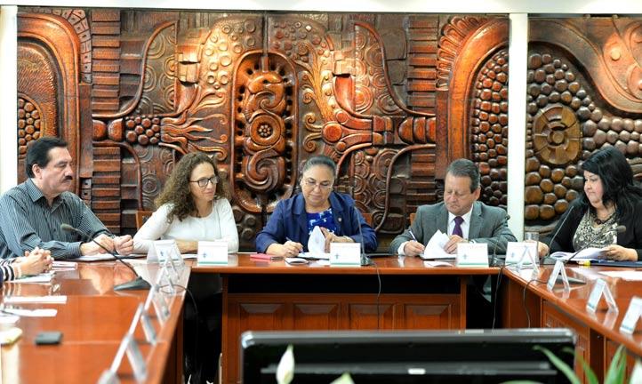 Sara Ladrón de Guevara calificó al convenio como un excelente trabajo de profesionalismo y compromiso