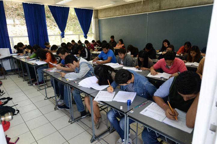 Ingresarán a la UV 15 mil 351 jóvenes en el ciclo escolar 2016-2017