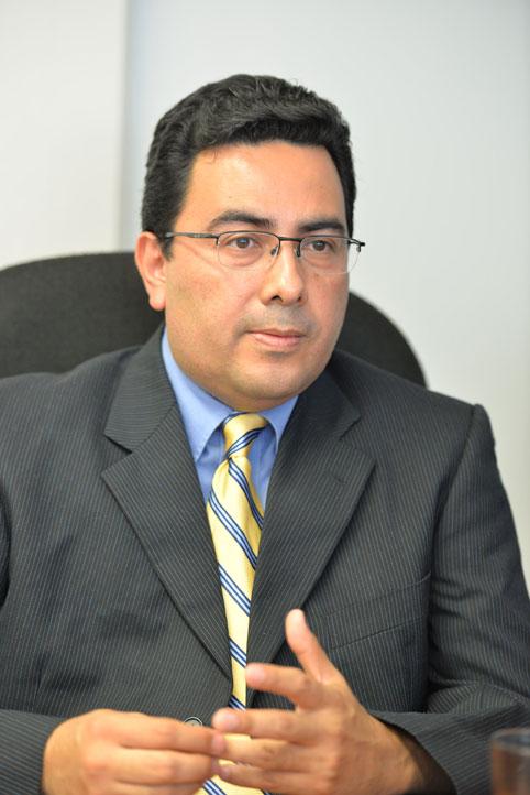 Héctor Vivanco Cid, del laboratorio de ciencias biomédicas adscrito al IIMB