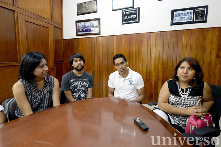 Ganadores del primer lugar en maratón de informática administrativa regional de ANFECA