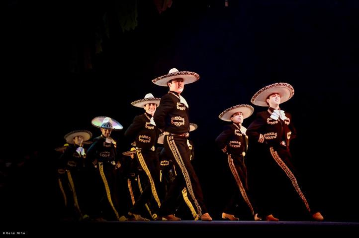 Desde 1974, el Ballet Folklórico de la UV ha marcado una pauta en México