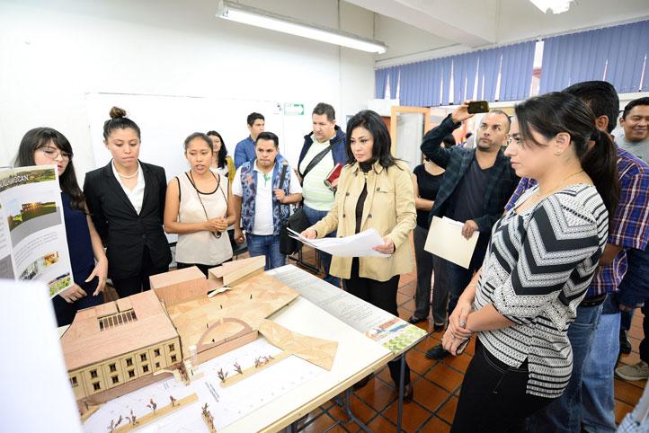 La Directora de la Facultad de Arquitectura acompañó a la alcaldesa en el recorrido por los proyectos