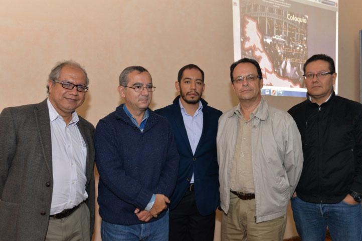 Víctor Andrade, Efraín Quiñones, Ernesto Treviño, Alberto Olvera y Alfredo Zavaleta, investigadores del IIH-S