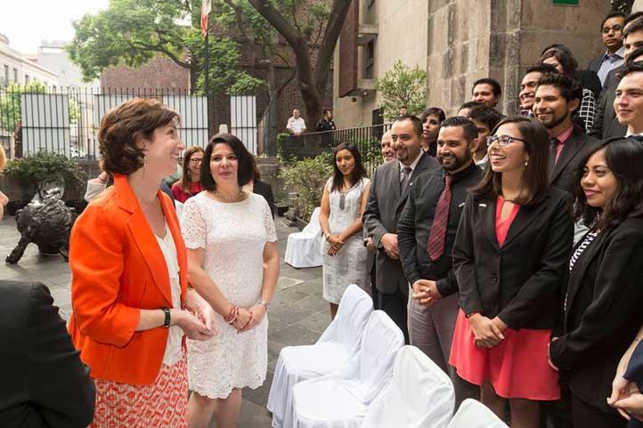 Con la embajadora de Estados Unidos en México, Roberta Jacobson
