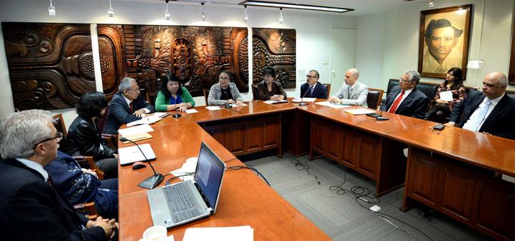 La rectora Sara Ladrón de Guevara recibió al Comité Directivo de la Asociación de Egresados de la Universidad Veracruzana, A.C.
