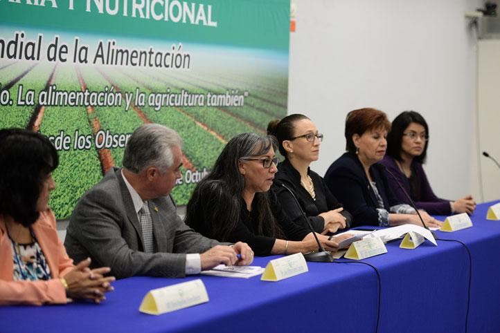Edith Yolanda Romero Hernández, directora de la Facultad de Nutrición, dio la bienvenida a los asistentes