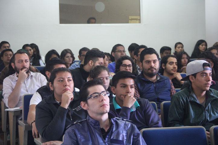 Las ponencias tuvieron una gran concurrencia por parte del público asistente