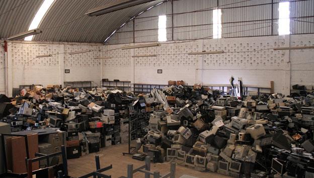 Más de ocho mil bienes en desuso fueron dictaminados como basura electrónica y procesados para su deshecho o venta