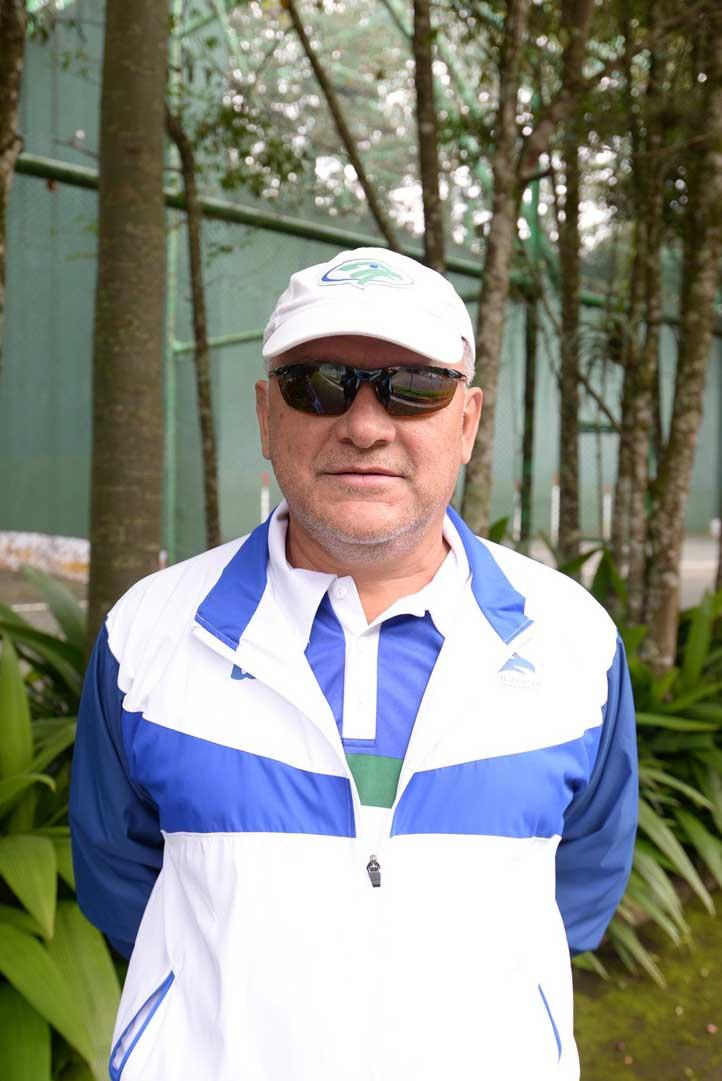 Andrés Blancas González, instructor de tenis de la UV