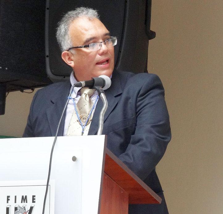 El conferencista Román Muñoz Nieto