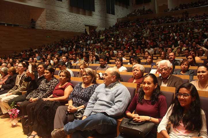 Nutrida asistencia en la Sala de Conciertos de Tlaqná, Centro Cultural