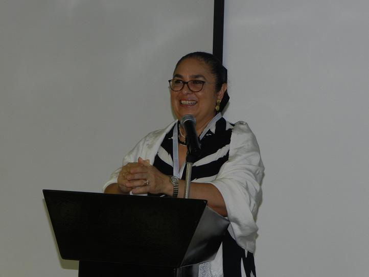 La rectora Sara Ladrón de Guevara destacó la trascendencia de los proyectos universitarios