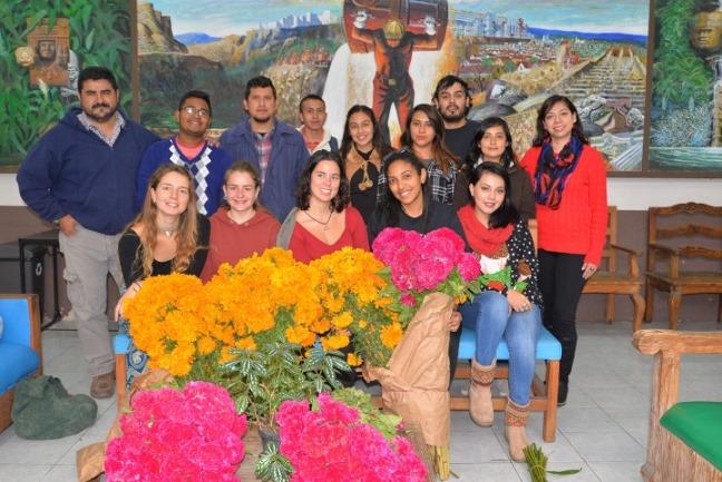 Estudiantes extranjeros expresaron su gusto porque en México se festeje a la muerte