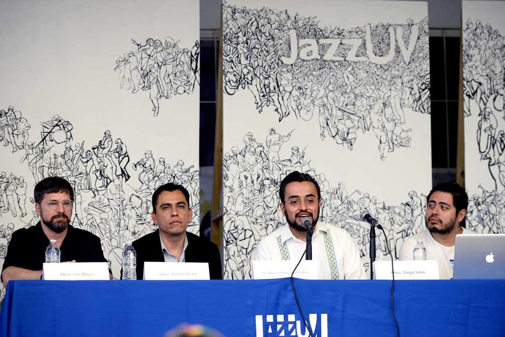 Tim Mayer, Rafael Alcalá, Miguel Flores y Diego Salas inauguraron el primer foro sobre culturas caribeñas y el jazz