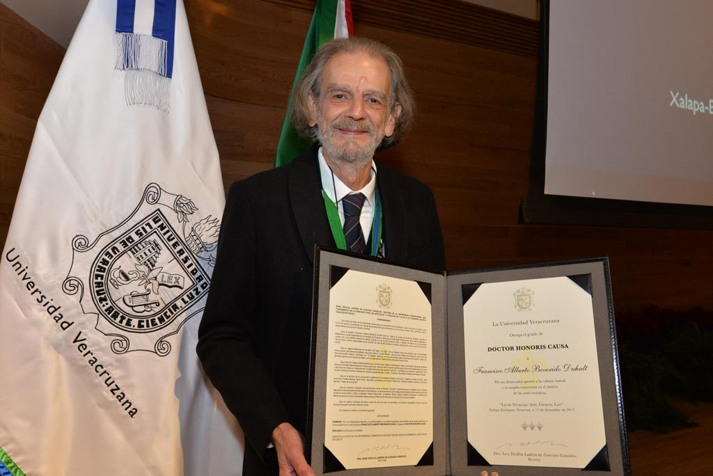 Francisco Alberto Beverido Duhalt, doctor Honoris Causa por la UV