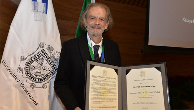 Francisco Alberto Beverido Duhalt, doctor Honoris Causa por la UV
