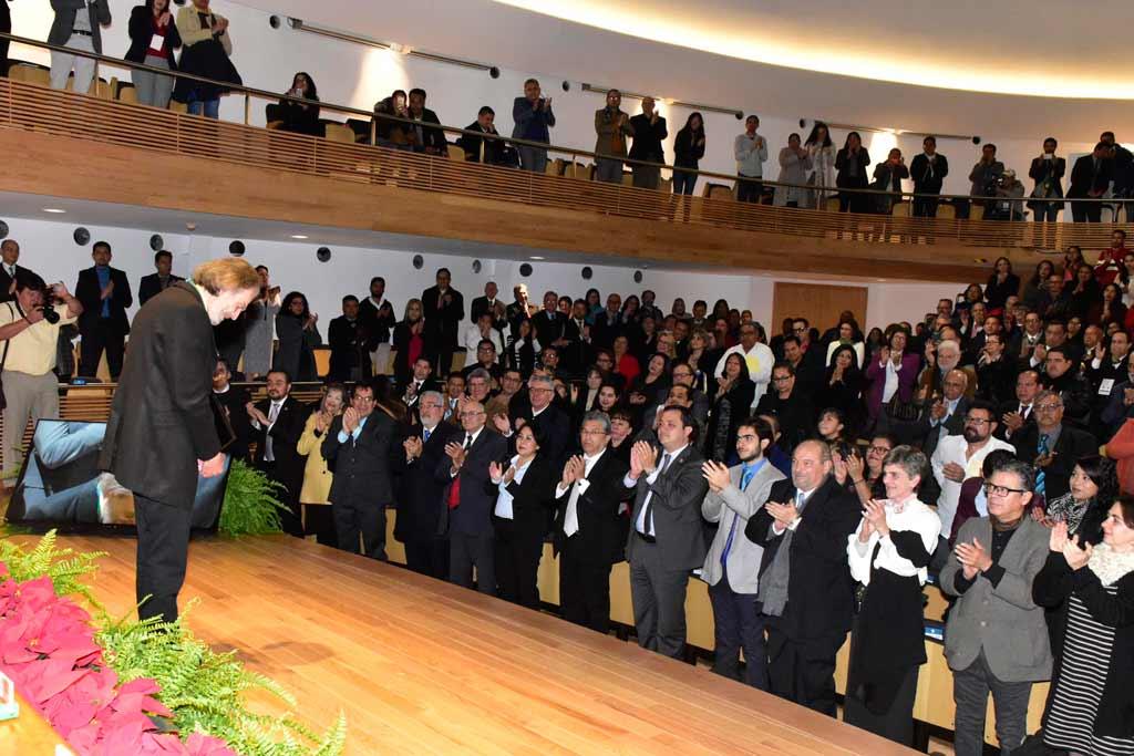 El CUG, invitados especiales, familiares y amigos celebraron el reconocimiento