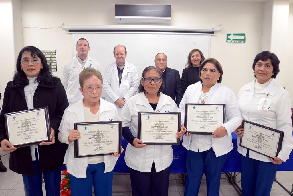 La UV reconoció el trabajo de su personal de enfermería