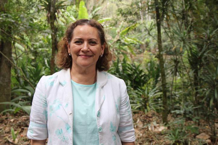 Rebeca Menchaca, coordinadora del Orquidario UV